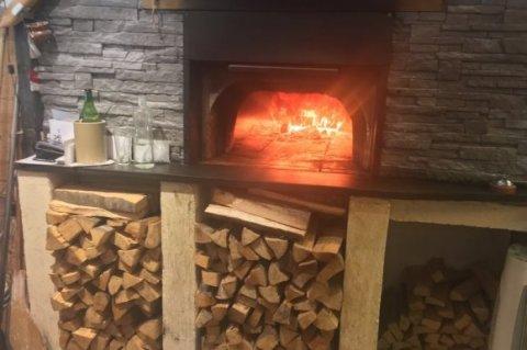 Restaurant pizzeria traditionnel et convivial avec terrasse ombragée à Varces-Allières-et-Risset